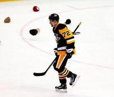 Henrik Lundqvist injured as Patric Hornqvist hat-trick pushes... #PittsburghPenguins: Henrik Lundqvist injured as… #PittsburghPenguins