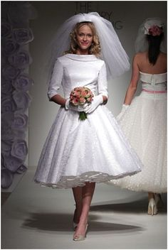Enjoy a collection of Style Wedding Dress in our site. Practical tips on Style Wedding Dress. 50s Style Wedding Dress, Wedding Dress Gallery, Tea Length Wedding Dress, Bridal Style, 50s Wedding, Wedding Ideas, 60s Wedding Dresses, Wedding Inspiration, Wedding Blog
