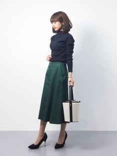 きれいめカジュアルコーデ◎  Spick & Spanのスカートはややハリのある生地で、シルエットが