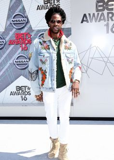 2 Chainz Attends 2016 BET Awards in a Gucci Denim Jacket, Polo and Yeezy Boots - VIBZN