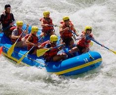 An adrenaline rush for water sport thrill seekers. Prepare to get wet on one of the invigorating white water rafting courses in the UK with this gift experience. Days Out In Scotland, Wildlife Day, Ben Nevis, Experience Gifts, Water Sports, Rafting, Boat, River, Nature