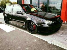 Golf trick, tips and training Vw Golf Mk4, Volkswagen Golf, Weird Cars, Cool Cars, Vw R32 Mk4, Sports Wagon, Vw Cars, Dream Cars, Classic Cars