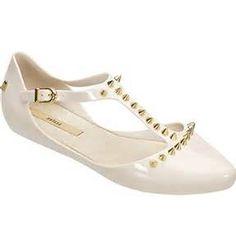 melissa doris spikes equilibra o lado romântico ao rocker o bico ... Melissa  Shoes · Melissa ShoesBoty ... 0841bbce57