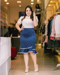 41 Cute Plus Size Office Outfit Ideas For Summer That Looks Cool - You are 31 years old, single, a career woman working with different people your age. You want to look and feel good every single day that you go to yo. Casual Summer Outfits, Office Outfits, Night Outfits, Fashion Outfits, Plus Size Fashion For Women, Plus Size Women, Fall Fashion Trends, Autumn Fashion, Plus Size Dresses
