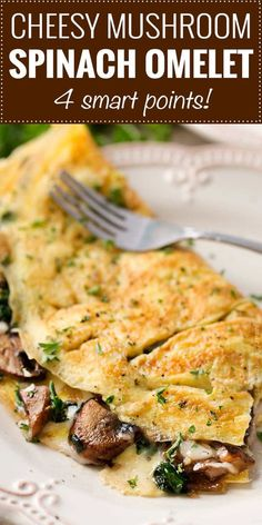 This easy browned omelet is filled with sautéed mushrooms onions wilted spinach and gooey Gruyere cheese! Skinny Recipes, Ww Recipes, Brunch Recipes, Gourmet Recipes, Dinner Recipes, Healthy Recipes, Healthy Eats, Healthy Breakfast Snacks, Breakfast Recipes