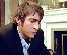 So cute! But he's only in it for this scene and a few seconds again at the end :( {Lee Pace in the Wonderfalls Season One Gag Reel (gifset)}