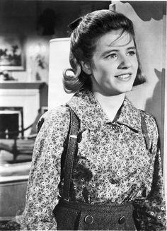 Patty Duke - Groovy Vintage Photos That Will Bring Back Some Good Memories Vintage Tv, Vintage Photos, Vintage Romance, Patty Duke Show, John Astin, Old Hollywood Style, Hollywood Stars, Classic Hollywood, Studios