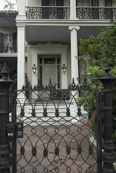 1239 FIRST Street, NEW ORLEANS Anne Rice Mansion and supposed setting for the witching hour. loved that book. I took a picture in front of this house. New Orleans Homes, New Orleans Louisiana, Anne Rice, Crescent City, Garden Gates, Beautiful Homes, Places To Go, Facade, Around The Worlds