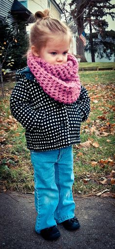 Soooo Cute toddler cowl neck infinity scarfs!!!! (photo of my neice, courtesy of Fahlen Photography)