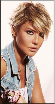 Modern look Short Hair for Womens 2014 Popular Short Hairstyles, Short Hairstyles For Women, Straight Hairstyles, Cool Hairstyles, Short Straight Hair, Short Hair Cuts, Short Hair Styles, Look Short, Cute Short Haircuts