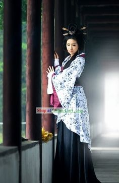Ancient Chinese Han Dynasty Female Clothing