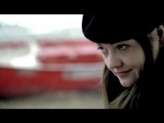 The White Stripes -You Don't Know What Love Is (You Just Do As You're Told)