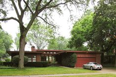 Mid Century Modern Family House in Chicago