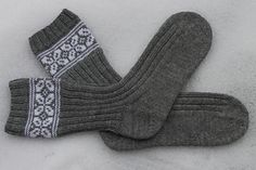 Ravelry: Gråpus pattern by Wenche Roald Knitting Socks, Hand Knitting, Knitted Hats, Lots Of Socks, Knee High Socks, Fingerless Gloves, Arm Warmers, Ravelry, Knit Crochet