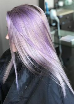 Purple Blonde Hair, Purple Hair Highlights, Light Purple Hair, Hair Color Purple, Hair Dye Colors, Bright Hair, Lavender Hair, Lilac Hair, Blonde Haare Make-up