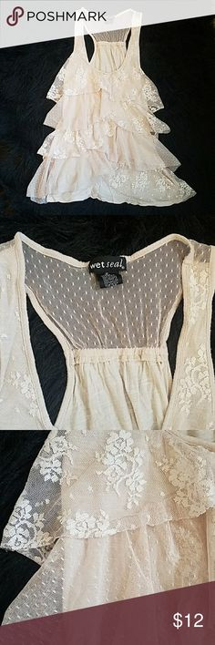 WET SEAL lace tank top Lace tank top size M. Great condition. No rips or tears in the lace. One of my favorites 😍😍 Wet Seal Tops Tank Tops