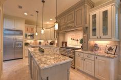 Kitchen, Granite White Spring For Traditional Kitchens Designs With Mini Pendant Lamps: Choose White Springs Granite for Kitchen Countertop