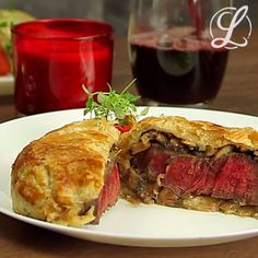 Beef Wellington: Beef fillet recipe for two in puff pastry Have you ever . - Beef Wellington: Beef fillet recipe for two in puff pastry Have you ever enjoyed a juicy tender fil - Beef Fillet Recipes, Beef Tenderloin Recipes, Beef Wellington, Tasty Videos, Food Videos, Ground Beef Recipes Easy, Buzzfeed Food, Meals For Two, German Recipes
