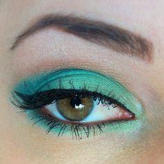 Mint and teal eyeshadow