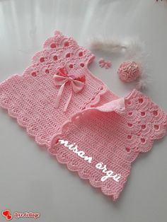 Girls Blouse, Sweater Set, Baby Sweaters, Crochet Designs, Crochet Baby, Blouses, Decor, Fashion, Baby Things