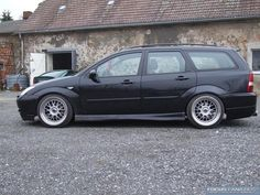 Black Focus ST 170 mk1 - low rider #Ford #ST170 Ford Focus Wagon, Focus Rs, Tuner Cars, Low Rider, Subaru Forester, Mk1, Automotive Design, Exotic Cars, Automobile
