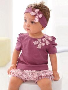 http://media.parabebes.com/productos/4/1/5/l.conjunto-3-prendas-para-bebe-nina-de-3-a-36-meses_1314621514.jpg