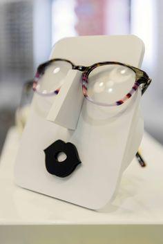 Lunettestore vous simplifie la vue ! #design #conceptstore #opticien #vitrine #lunettes #lunetier #visagisme #monture #femme