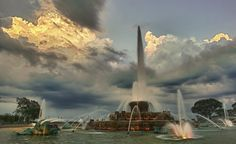 Hilarious Reviews of Buckingham Fountain