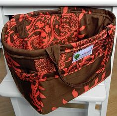 tote bag tutorial. I saw a handmade diaper bag, similar to this at a baby shower recently..it was gorgeous - and you can pick any fabric you want!