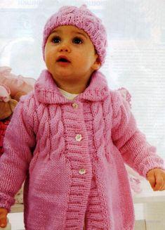 Kafijas krūze: Adījumi mazuļiem (knitting for babies) Knitting For Kids, Knitting Projects, Baby Knitting, Matching Sweaters, Knit Baby Dress, Knit Baby Sweaters, Lace Knitting Patterns, Kids Coats, Baby Girl Dresses