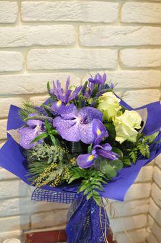 #Buchet de #flori cu #orhidee #vanda și #trandafiri albi - #Livrare în #Moldova