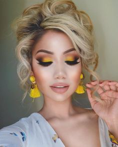 Awesome Homecoming Makeup Ideas ★ See more: glaminati.re Awesome Homecoming Makeup Ideas ★ See more: glaminati.re… Awesome Homecoming Makeup Ideas ★ See more: glaminati. Cute Makeup, Gorgeous Makeup, Pretty Makeup, Awesome Makeup, Ugly Makeup, Simple Makeup, Unique Makeup, Cheap Makeup, Gorgeous Hair