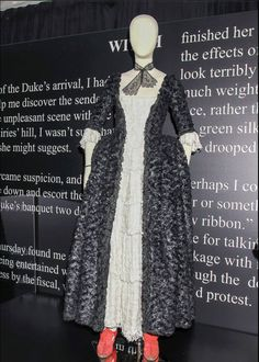 """Geillis Duncan, Episode 112, """"The Devil's Mark""""  """"We called this 'the Raven dress' in the costume department, as it looked like a million black raven feathers."""" - Costume Designer Terry Dresbach"""