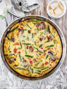 Easy, quick and versatile, this protein rich Healthy Vegetable Frittata can be ready in less than 30 minutes. Easy, quick and versatile, this protein rich Healthy Vegetable Frittata can be ready in less than 30 minutes. Healthy Frittata, Vegetable Frittata, Frittata Recipes, Breakfast Frittata, Vegetarian Frittata, Vegetable Lunch, Real Food Recipes, Vegetarian Recipes, Cooking Recipes