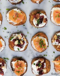 15 Big-Batch Thanksgiving Recipes to Feed a Crowd - PureWow Best Thanksgiving Appetizers, Appetizers For Party, Appetizer Recipes, Thanksgiving Ideas, Thanksgiving Casserole, Thanksgiving Salad, Dinner Parties, Bite Size Snacks, Pumpkin Beer