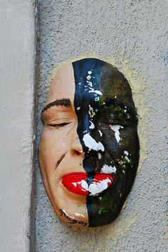Double Face / Two-Face