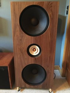 This is a Do It Yourself OPEN BAFFLE solid wood speaker kit, our cabinet makers cut and finish the wood to your choosing . We then ship it