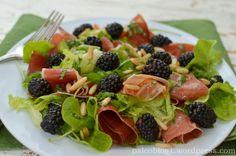 Salát se sušenou šunkou a ostružinami - DRY CURED HAM AND BLACKBERRY SALAD