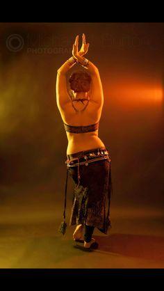 Beauty of belly dancing #photomjb #bellydancing #beautiful #photography #studio