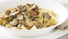 Boscaiola Sauce - Creamy bacon and mushroom sauce is delicious over your favourite pasta. Gnocchi Recipes, Pasta Recipes, Diet Recipes, Healthy Recipes, Savoury Recipes, Healthy Food, Yummy Food, Pasta Restaurants, Meals