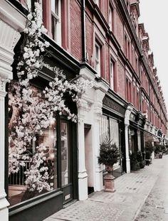 beautiful building and travel inspiration. Places To Travel, Places To See, Last Minute Travel, Travel Tours, Travel City, Travel Trip, London Travel, Travel Inspiration, Wanderlust
