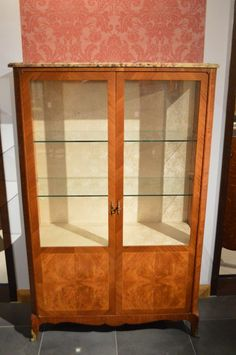 A French mahogany & satinwood antique display cabinet.
