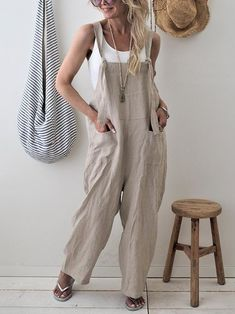 Fitted Prom Dresses, 2018 new brand women casual loose cotton linen solid pockets jumpsuit overalls wide leg cropped pants macacao feminino Bey Love Long Jumpsuits, Jumpsuits For Women, Fashion Jumpsuits, Winter Jumpsuits, Fashion Dresses, Bodycon, Overall, Tutu, Summer Outfits