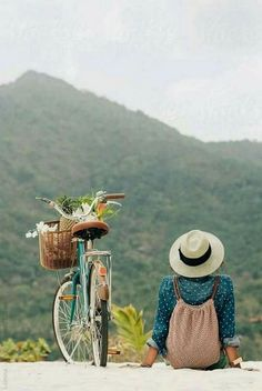 Mountains are Calling: Woman Ready for a Bike Adventure ….by Lumina Mountains are Calling: Woman Ready for a Bike Adventure ….by Lumina Photo Velo, Foto Poster, Photo Instagram, Adventure Is Out There, Simple Pleasures, Retro, Belle Photo, Photography Poses, Beauty Photography