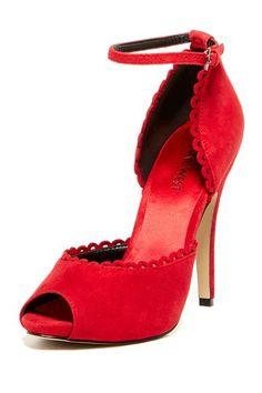 Love these retro style heels