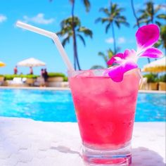 : There are many ways to enjoy ρaradise including a refreshing poolside beverage (pc: miho is) メ. #kiele #kielehawaii IG: @ki_ele