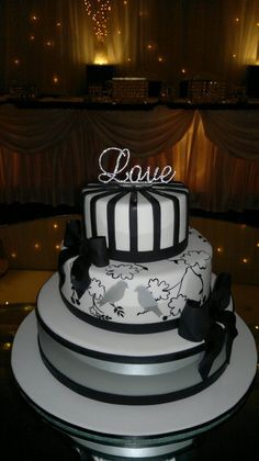black,white and silver wedding cake
