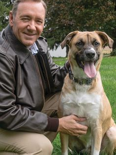 Kevin Spacey and Boston from Chasing Spacey - Aww!! ❤️