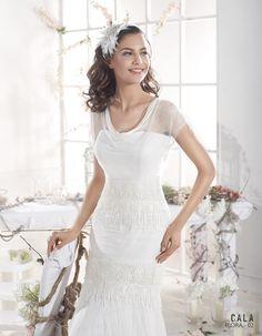FLORA | Bohemian Wedding Dress | 2015 Cala Collection | by Sara Villaverde | Villais (close up)
