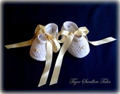 Tiger Swallow Tales Boutique: How to make Smocked Baby Shoes - As Seen in Classic Sewing Magazine, Spring 2017 Smocked Baby Clothes, Baby Doll Clothes, Doll Clothes Patterns, Smocked Dresses, Doll Dresses, Smocking Patterns, Sewing Patterns, Sewing For Kids, Baby Sewing